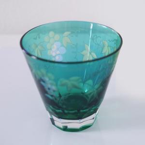内外彫ロックグラス 葡萄切子 エメラルド