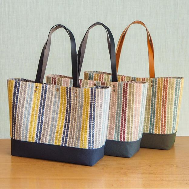 春色マルチボーダー手織り布のトートバッグ(3色)